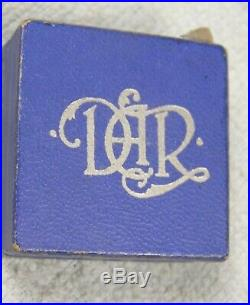 14k Gold DAR Daughters Of The American Revolution Brooch Pin Box Caldwell