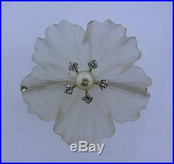 1950s CARVED ROCK CRYSTAL DIAMOND PEARL WHITE GOLD FLOWER BROOCH PIN CLIP