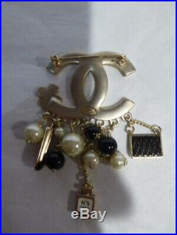 Auth CHANEL Brooch Pin Black Enamel/Gold Tone Metal Large CC Logo Charm France