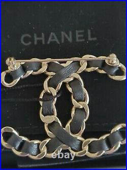Auth. Nwt 2017 Chanel Large Brooch Pin CC Logo Woven Black Leather/ Gold Metal