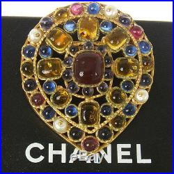Authentic CHANEL Vintage Gripoix Stone Brooch Pin Gold Corsage T04154