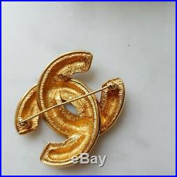 Authentic Vintage Chanel 24k Gold Plated Quilted CC Brooch Pin Corsage Versatile