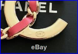 BNIB Authentic CHANEL Large Pink/Crystal CC Logo Gold-Tone Metal Brooch Pin