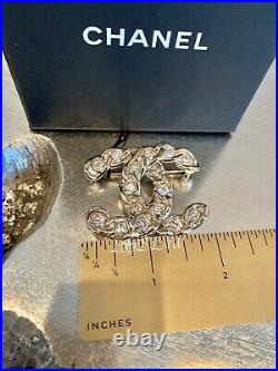 CHANEL 19S Rockin' Summer Crystal Brooch Jewel CC Gold Pin Square Princess NEW