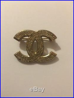 CHANEL Brooch GOLD CHANEL Logo Pin Engraved Chain Pattern