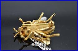 CUTE 18k YELLOW GOLD & DIAMOND BEE PIN/BROOCH