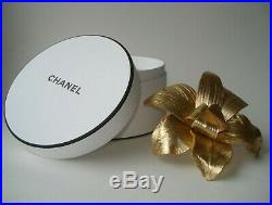 Chanel Beaute VIP gift fine brooch pin accessory leather flower