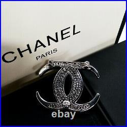Chanel Brooch CC Logo Full Diamond 18k-White-Gold Pin New