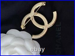 Gorgeous Classic Chanel Gold CC Logo Crystal Large Brooch Pin