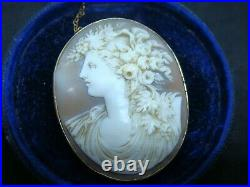 Large Antique Victorian 18ct Gold Finely Carved Shell Cameo Brooch Pin