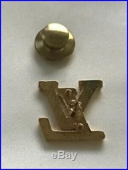 Louis Vuitton Brooche lapel pin Yelllow Gold Plated Color