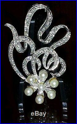 Magnificent, distintive & stylish 14k White Gold Diamond and Pearl Pin Brooch