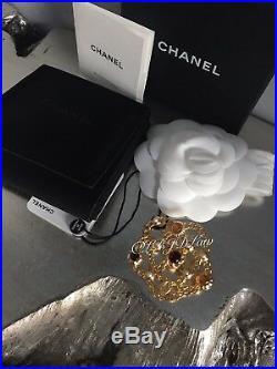 NWT CHANEL CAMELLIA CC BROOCH PIN Jewel Symbols PEARL Gold 2018 2019 XL VINTAGE