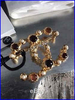 NWT CHANEL CC BROOCH PIN Jewel Symbols PEARL Crystal Gold 2018 2019 XL VINTAGE