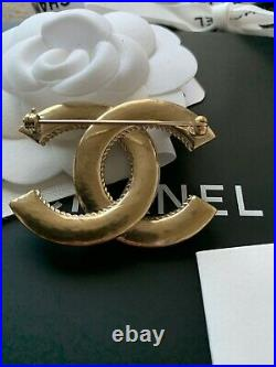 New Chanel Classic CC Logo Gold-Tone Metal Brooch Pin Authentic 20C