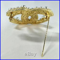 New Classic Large CC Logo Gold Anniversary Pearl Brooch Pin