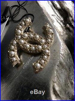 Nwt Chanel Crystal Pearl CC Brooch Pin Gold Jewel Classic 2017 100 Anniversary