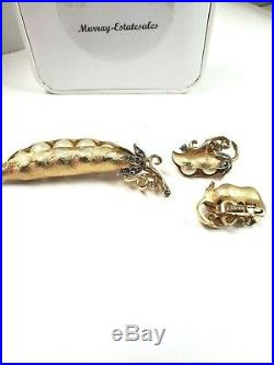 TRIFARI 5 Peas in a Pod Gold Tone Brooch Pin Earrings Set