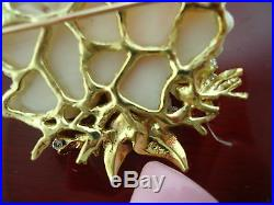 VINTAGE 18kt Gold Diamond, CORAL BROOCH PIN